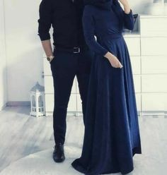 Muslim Women Fashion, Modest Fashion, Fashion Outfits, Cute Muslim Couples, Cute Couples, Muslim Couple Photography, Photographie Portrait Inspiration, Matching Couple Outfits, Hijab Fashionista