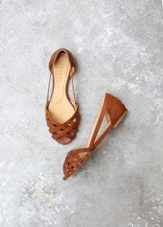Sézane / Morgane Sézalory - Direction Marseille - Low Monroe Sandals #sezane www.sezane.com/fr #frenchbrand #frenchstyle #springcollection