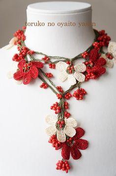 Yogurtcu - The Gardeners Textile Jewelry, Fabric Jewelry, Thread Crochet, Crochet Scarves, Knitted Necklace, Crochet Earrings, Crochet Collar, Crochet Accessories, Irish Crochet