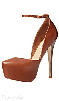 Steve Madden Deeny Leather Platform Pump but in black Shoe Boots, Shoes Heels, High Heels, Stilettos, Pretty Shoes, Your Shoes, Me Too Shoes, Fashion Shoes, Platform Pumps