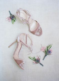 Velour blush stilettos: http://www.stylemepretty.com/2016/11/30/a-mid-century-modern-style-la-wedding/ Photography: Elizabeth Messina - http://www.elizabethmessina.com/#!/images/love/gallery/1