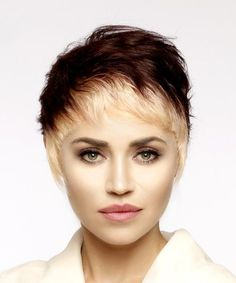 Short Straight Alternative Pixie Hairstyle with Asymmetrical Bangs - Light Blonde and Mahogany Two-Tone Hair Color, Hair Color Blue, Brown Hair Colors, Hairstyles With Bangs, Straight Hairstyles, Medium Hair Styles, Short Hair Styles, Asymmetrical Bangs, Golden Blonde Hair