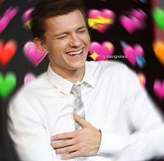 My love at first sight Tom Parker, Tom Holland Peter Parker, Avengers Memes, Marvel Memes, Baby Toms, Heart Meme, Cute Love Memes, Ironman, Marvel Actors