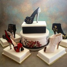Amazing these shoes look really like real shoes , they don't look like a Cake. Cakes To Make, How To Make Cake, Shoe Box Cake, Shoe Cakes, Cupcakes, Cupcake Cakes, High Heel Kuchen, Beautiful Cakes, Amazing Cakes