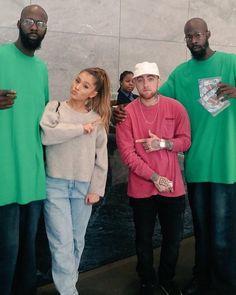 [CANDID] Ariana Grande and Mac Miller at 'Sirius XM Studios' New York City. September 20th.