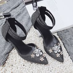 89750b9bf525 Aliexpress.com   Buy Spring Autumn Women Pumps Shoes Big Size Shoes Mary  Janes High Thin Heel Pointed Toe Casual Fashion Zip Shallow Crystal Flower  from ...
