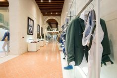 https://www.google.it/maps/preview#!q=Rione+Fontana+Treviso%2C+Via+Sant'Agostino%2C+Treviso%2C+TV&data=!4m15!2m14!1m13!1s0x4779482ba0ab1be5%3A0xb56f5de3b073d94b!3m8!1m3!1d2837!2d12.23925!3d45.49342!3m2!1i1440!2i779!4f13.1!4m2!3d45.66697!4d12.24941