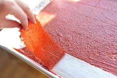 "this looks YUM and fairly easy, too. Homemade fruit roll-ups or ""fruit leather"" Healthy Fruits, Healthy Snacks, Fruit Snacks, Fruit Food, Homemade Fruit Leather, Cookies Receta, Fruit Roll Ups, Tasty, Yummy Food"