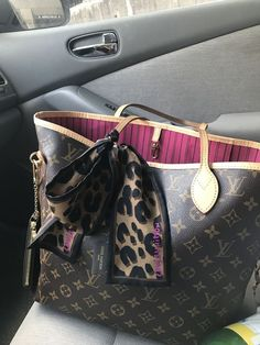 23d20e587b01 I love my Monogram Louis Vuitton Neverfull MM with Monogram Key Cles and  Leopard…