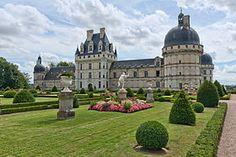 Château de Valençay- Wikipedia *info: http://www.chateau-valencay.fr/