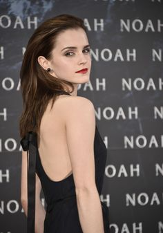 Ideas with regard to great looking women's hair. An individual's hair is certainly exactly what can certainly define you as a man or woman. To numerous men and women it is definitely important to have a fantastic hair style. Hair 4 U. Hair and beauty. Emma Watson Daily, Emma Watson Cute, Emma Watson Style, Emma Watson Beautiful, Emma Watson Sexiest, Dramione, Beautiful Celebrities, Beautiful Actresses, Girl Crushes
