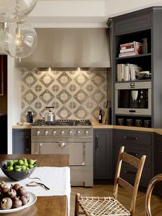 Family Kitchen - transitional - kitchen - san francisco - by Jute Interior Design Family Kitchen, Home Decor Kitchen, Kitchen Interior, New Kitchen, Cozy Kitchen, Rustic Kitchen, Country Kitchen, Kitchen Grey, Life Kitchen