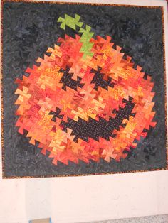 Twister Jack, kit available at Happy Apple quilt shop Quilting Ideas, Quilting Projects, Twister Quilts, Halloween Quilts, Stitch 2, Pinwheels, Quilt Making, Sewing Patterns, Banner