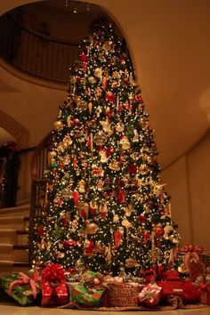 50 most beautiful christmas trees | beautiful christmas trees