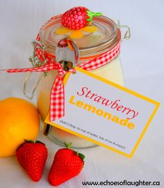 Strawberry Lemonade Mix makes a great gift for Mother's Day!