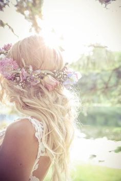 Wedding hairstyle idea; Featured photographer: New Vintage Media