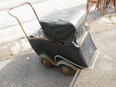 Landau Vintage, Vintage Pram, Baby Buggy, Baby Prams, Baby Carriage, The Old Days, Love Pictures, Baby Strollers, Little Girls