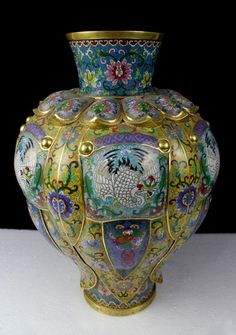 A Large Chinese Qing Gilt Cloisonne Enamel Bronze Vase : Lot 1156
