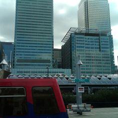 Poplar Skyscraper, Multi Story Building, London, Home, Skyscrapers, Big Ben London, House, Ad Home, Homes