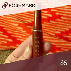 NWT Clinique Black Honey💋 Brand new Clinique Black Honey deluxe/travel size lipstick 💄 Gorgeous shade adjusting lip color‼️ Received in January 2017 Sephora Play box. Would keep to enjoy myself, but recently purchased a full size. Clinique Makeup Lipstick
