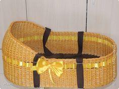 Дно фанера 6,водная  морилка лиственница и мокко ,лента атласная и стропа для ручек, размер 70*40*18, плела на заказ  фото 1