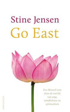 Stine Jensen bevond zich in een persoonlijke crisis en besloot zodoende haar energie te steken in yoga, de sport die bekend staat als middel voor het (terug) vinden van de persoonlijke balans. Op c…