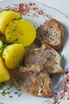 Smażone polędwiczki wieprzowe są bardzo szybkie w przygotowaniu, smaczne i soczyste, jednak należy pamiętać o kilku zasadach w trakcie ich przyrządzania.