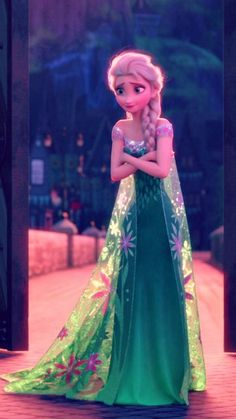 Snow Queen Elsa in Frozen Fever ❄️ She's so cute Disney Princess Frozen, Frozen Movie, Arendelle Frozen, Frozen Pictures, Frozen Images, Lilo Et Stitch, Frozen Wallpaper, Elsa Cosplay, Frozen Elsa Dress