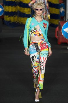Moschino Spring 2016 Ready-to-Wear Fashion Show