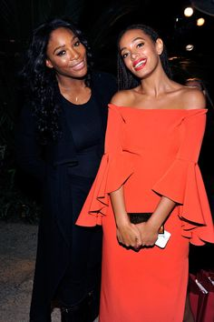 When this picture of Solange and Serena was the gift we didn't deserve, but accepted anyway. | 21 Flawless Pictures Of Solange To Celebrate Her Glorious New Album