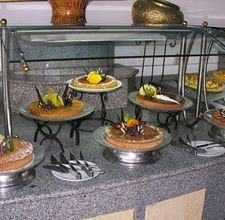 Great tips for setting up a buffet table