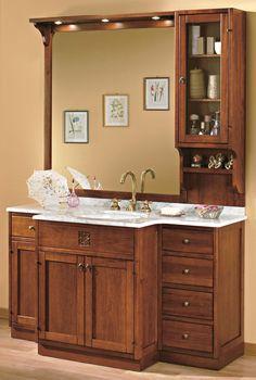 Maße:   148 x 37/58 x 202 cm Farbe:   Walnuss  Ein großes repräsentatives Badmöbel aus Tulipierholz mit einem Top aus italienischem Marmor. Dieses Luxus-Badmöbel italienischer Provenienz ist eine Zierde für jedes Badezimmer, es ist ein Badmöbel das sagt: ich habe es geschafft.