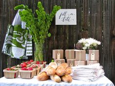 Harvest Party/Summer Party Favors What a great idea! I don't have a green thumb at all, so I would LOVE a party like this. Diy Wedding Favors, Party Favors, Wedding Ideas, Wedding Stuff, Wedding Inspiration, Wedding Themes, Chic Wedding, Wedding Details, Wedding Gifts