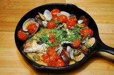 スキレットで「鯛とハーブのアクアパッツァ」 - 俺はただ、飯の話をしただけだよ。