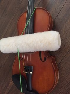 This idea isn't totally new.I've heard of teachers using a variety of tubular objects for students to practice straight bowing. Cello, Violin Music, Teaching Orchestra, Teaching Music, Teaching Tools, Teaching Ideas, Violin Lessons, Music Lessons, Violin Sheet