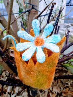 Girl gift bookmark flower or brooch Girl Gifts, Hair Pins, Maya, Ireland, Birthday Gifts, Wraps, Presents, Felt, Brooch