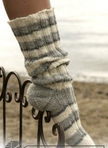Socks & Slippers - Free knitting patterns and crochet patterns by DROPS Design Drops Karisma, Garnstudio Drops, Slouch Socks, Cozy Socks, Drops Design, Knitting Patterns Free, Free Knitting, Free Pattern, Crochet Patterns