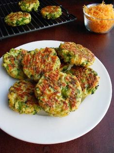 Low carb broccoli and cheese patties. Perfect for a snack for kids and adults. Healthy,homemade and yummy! Broccoli Patties, Broccoli Fritters, Fried Broccoli, Broccoli And Cheese, Broccoli Dishes, Cooking Broccoli, Broccoli Soup, Veggie Recipes, Cooking Recipes