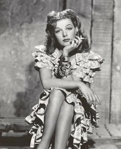 JUKE GIRL (1942) - Ann Sheridan - Ronald Reagan - Richard Whorf - George Tobias - Gene Lockhart - Alan Hale - Betty Brewer - Directed by Cursti Bernhardt - Warner Bros. - Publicity Still