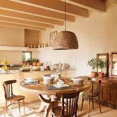 decordemon: Provencal Spirit for a Spanish house Kitchen Interior, Kitchen Design, Kitchen Decor, Sweet Home, Bohemian Bedroom Decor, European House, Interior Decorating, Interior Design, Home And Deco