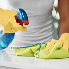 5 Cleaning Products You Should Never Use in the Kitchen Cleaning Recipes, Cleaning Products, Cleaning Hacks, Hardwood Floor Cleaner, Stainless Steel Cleaner, Vinegar And Water, All Purpose Cleaners, Super Clean, Pickle