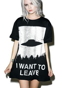 "Disturbia I Want To Leave T-Shirt fukk this place! Let's get outta here quick with this sik boyfriend t-shirt featuring a soft af hand and a front screenprint of a UFO jettin' so quick in da sky with text on the bottom that reads ""I WANT TO LEAVE."""