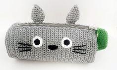 Totoro Crochet Pattern Pencil Case PDF by MariiArts on Etsy Crochet Pencil Case, Pencil Case Pouch, Crochet Case, Crochet Purses, Crochet Gifts, Cute Crochet, Crochet Hooks, Knit Crochet, Easy Crochet