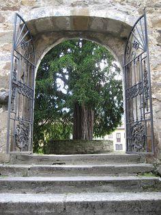 Iglesia de Santibañez y Texu (3) by APARTAMENTOS TURISTICOS LLANA, via Flickr