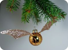 How to make a golden snitch ornament. Bringing a little Potter to your Christmas