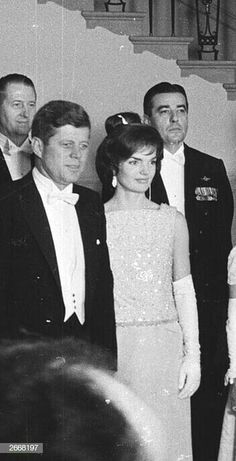 Jackie Kennedy Style, Jacqueline Kennedy Onassis, Les Kennedy, John Kennedy, Jaqueline Kennedy, American Spirit, O Love, Prince And Princess, Famous People