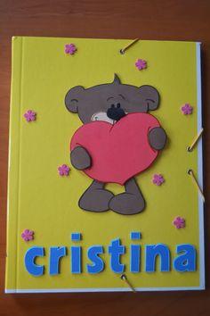 Las manualidades de Cristina: CARPETA DECORADA CON GOMA EVA