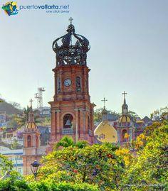 http://www.puertovallarta.net/what_to_do/our-lady-of-guadalupe-church.php  La Parroquia de Nuestra Señora de Guadalupe es un ícono de Pto. Vallarta, domina la ciudad y es uno de los símbolos y puntos de referencia favoritos en la ciudad, la encontrarás en fotos, postales, playeras, logotipos y mucho más. Leer más: http://www.puertovallarta.net/espanol/que-hacer/iglesia-de-nuestra-senora-de-guadalupe.php