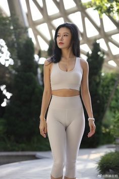 Gorgeous Teen, Beautiful Asian Women, Cute Asian Girls, Sexy Hot Girls, Sexy Outfits, Fashion Outfits, Girls In Leggings, Skinny Girls, Womens Workout Outfits