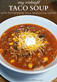 Easy Weeknight Taco Soup with Homemade Taco Seasoning Option - - Looking to change up Taco Tuesdays? How about a piping hot bowl of Taco Soup? All the taco flavors join together to make a fantastic soup. Easy Taco Soup, Easy Soup Recipes, Beef Recipes, Cooking Recipes, Healthy Recipes, Healthy Taco Soup, Healthy Food, Chicken Taco Soup, Portuguese Recipes